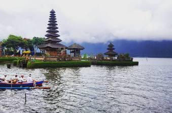 Pura Ulun Danu Bratan Floating Temple (Bali, Indonesia)