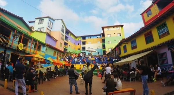 Plaza de los zócalos in Guatapé